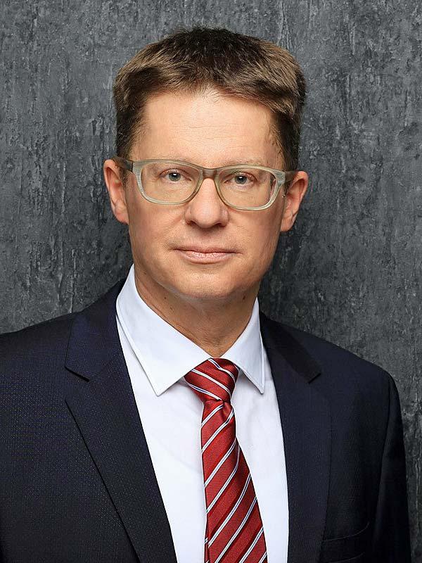Dr. Bernhard von Kiedrowski